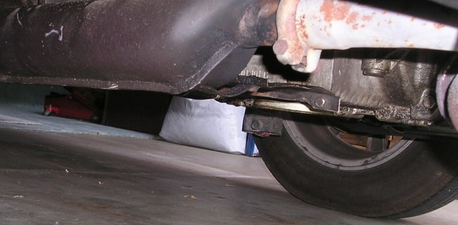 AN OIL LEAK & HOW ONE YOUNGER TECHNICIAN GETS IT RIGHT